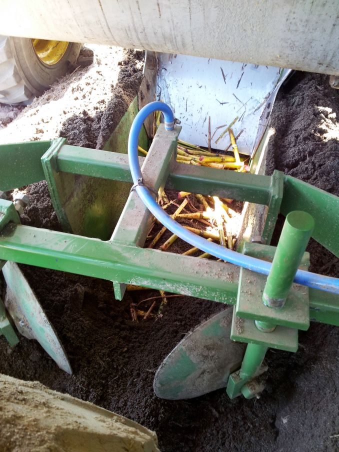 Maalacan Engineering Double Row Billet Planter Sugar Cane Placement