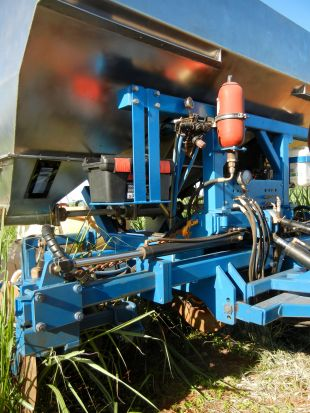 Maalacan REEFA Sugar Cane Fertilizer Coulter Hydraulics